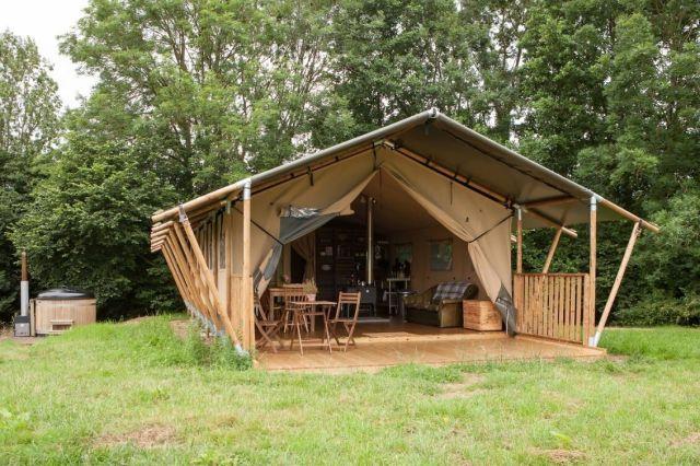 Tent_tub_trees